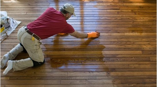 Cách lựa chọn bạt che nắng mưa để bảo vệ sàn gỗ trong nhà