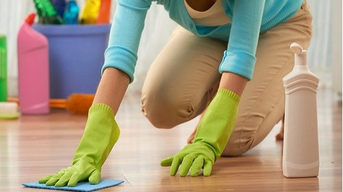 Hướng dẫn cách vệ sinh sàn nhựa đúng cách giúp sàn được bền lâu