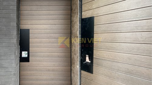 Thi công cổng gỗ nhựa ngoài trời sử dụng tấm ốp EcoWood tại nhà phố An Dương – Tây Hồ - Hà Nội