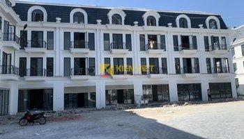 Thi công sàn gỗ và cầu thang gỗ công nghiệp KienViet Floor tại Rùa Vàng City - Bắc Giang