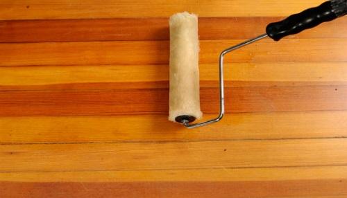 Tự sơn lại mặt sàn gỗ